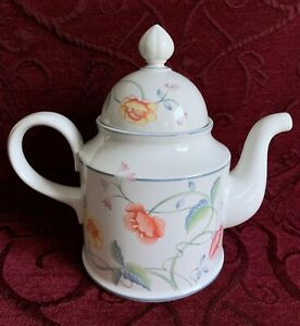 Villeroy & Boch, Albertina COFFEE POT (with fault) - Made In W. Germany