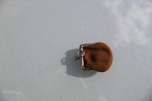 ANTIQUE TINY SOVEREIGN COIN PURSE SUEDE LEATHER CHATELAINE RING ATTACHED VGC