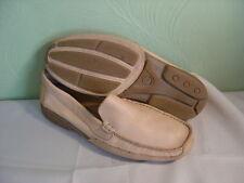 Men's ST. JOHN'S BAY Beige Soft Supple Pig Skin Loafers Size 12D
