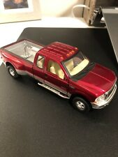 New Ray Ford F-350 Super Duty Truck 1:32 Diecast Blue