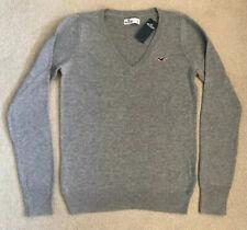 BNWT Hollister Women's Size S, UK 8 Grey V-Neck Sweater Jumper Pullover.