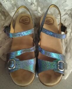 Dansko Sandi Shagreen Mermaid Irredescent Blue Slingback Wedge Sandals 39 / 8.5