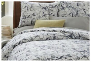 West Elm Gray White Oahu Bird Floral Full/Queen Duvet Cover 2 Shams Cotton Blend