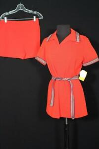 VINTAGE DEADSTOCK VINTAGE 1970'S 2 PC ORANGE POLY KNIT SUIT & SHORT SHORTS 10-12