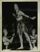 1946 Press Photo Circus performers in balancing act