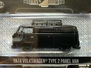 Greenlight - Black Bandit 1974 Volkswagen Type 2 Panel Van Series 18 - 1:64
