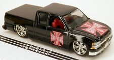 Muscle Machines 1999-02 Chevrolet Pickup Truck Chevy Adj.Ride Height 1/64 Scale