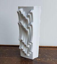 """Matte white """"Archais"""" vase. Heinrich Fuchs. Hutschenreuther"""
