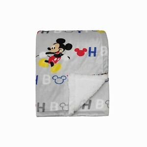 Disney Baby Boy Mickey Mouse MNK/Sherpa Blanket with OH BOY Print, GS71662