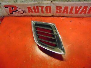 06 05 Saab 9-2x Saab 9-2x oem passenger side right front bumper grill grille