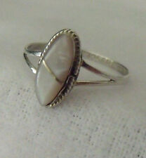 VINTAGE HANDCRAFTED TAXCO STERLING SILVER MOTHER OF PEARL RING SIZE 6.5