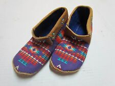 UNIQUE NAVY BLUE FABRIC WRAPPED NATIVE AMERICAN MOCCASINS/SLIPPERS - 8 IN