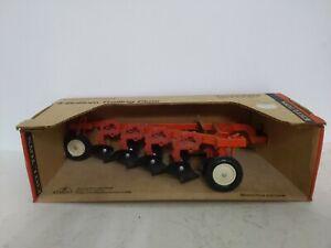 1/16 Ertl Farm Toy Allis Chalmers plow implement