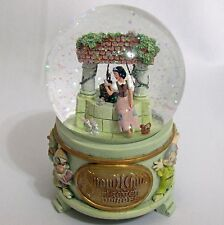Disney Store Exclusive Snow White Seven Dwarfs Wishing Well Glitter Snow Globe