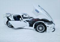 1 :18 Dodge Viper GT2 GTS-R Maisto White Diecast Car