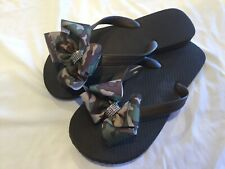 Brown Flat Flip Flops/Camouflage Bow