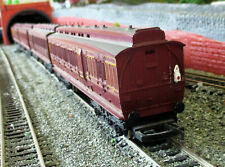 More details for 4 x hornby oo gauge maroon clerestory coaches
