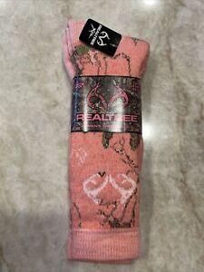 NEW REALTREE 20% MERINO WOOL coral socks USA shoe size 6-9 Skiing Hunting Womens
