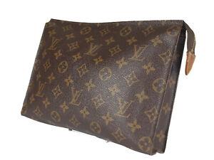 LOUIS VUITTON Toiletry 26 Monogram Canvas Leather Pouch Accessories Clutch Bag