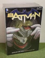 DC COMICS BATMAN DEATH OF THE FAMILY BOOK AND MASK SET