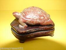 Jolie tortue en pierre sculptée