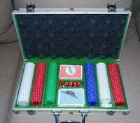 mallette poker pro aluminium + 300 jetons + jeu de carte + 5 dés + jeton dealer