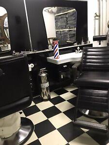 Friseureinrichtung Antik Barber Shop  Barber Chair  Friseurstuhl Rockabilly