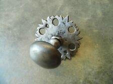 ancienne poignée de porte en fer forgé avec rosace,clenche ferrure