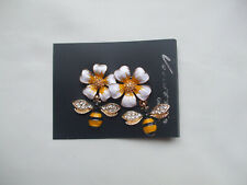 Beautiful Double Bee Brooch Each Below Yellow And White Enamel Flowers New