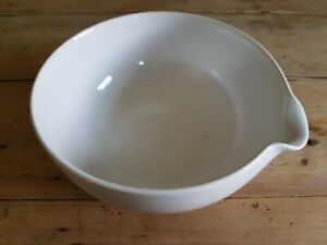 White SPECTRUM T G Green Gresley large bowl with pouring lip Mixing Serving
