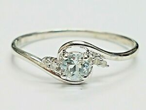 BEAUTIFUL  SECONDHAND 9ct WHITE GOLD BLUE TOPAZ AND DIAMOND  RING SIZE P 1/2