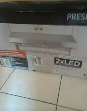 30 inch range hood stainless steel presenza original box damaged but item is new