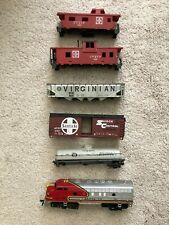HO Scale Santa Fe Freight Train Set LOT 6 pieces (for repair/parts/project)