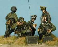 SHQ GD11 1/76 Diecast WWII Early German Officers, Signallers, and Runner