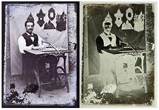 Photo plaque verre 13x18cm / sculpteur de cadres en bois chantournés 1890 métier