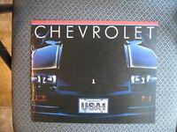 ORIGINAL 1982 CHEVROLET SALES BROCHRE EX/MINT CONDITION