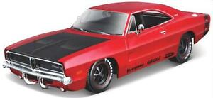 Dodge Charger R/T 1969 in metallic red 1:25 scale diecast model from Maisto