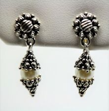 Unique & Chic Design Style Rhodium Plated Cream Pearl Drop fashion Earring W7