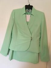 New women's two pieces Tahari skirt suit, size 6, with lining,seafoam color