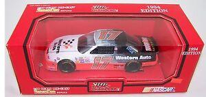 1994 Racing Champions 1:24 DARRELL WALTRIP #17 Western Auto Chevy Lumina