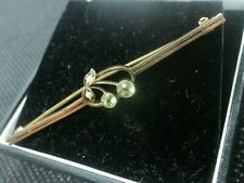 Attractive Edwardian 9ct Yellow Gold , Peridot & Pearl Sweetheart Floral Brooch