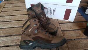 LOWA Renegade GTX Mid Herren Wander-Schuhe Stiefel 42 1/2 braun Leder Goretex