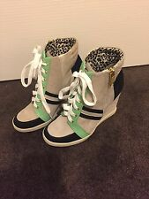 Jessica Simpson Lexia wedge trainer size 5