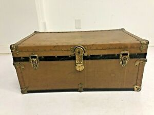 Vintage WOOD STEAMER TRUNK Tray Key chest coffee table storage box antique brown