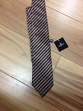 REDUCED FROM £70.00 TO £55.00 AQUASCUTUM SILK TIE.
