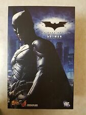 MMS71 Hot Toys The Dark Knight Batman 1/6th scale Action Fig. Mint Never Opened