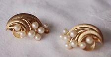 Flowers/Plants Trifari Gold Vintage Costume Jewellery