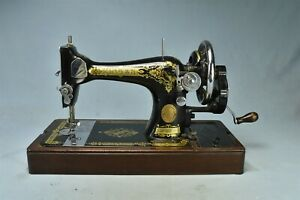 Vintage SINGER 28K HAND CRANK SEWING MACHINE 3C105055 #02790