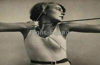 WW2 Picture Photo Young Bund Deutscher Mädel League German Girls Firing 2760