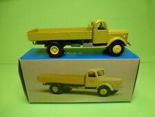 CONRAD 280878 VOLVO TORPEDO TRUCK 1947 TRUCK FLAT BED - CREAM 1:43 - VG IN BOX